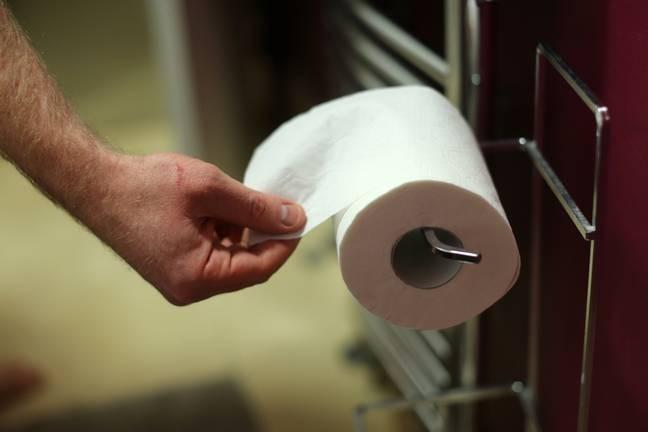 员工每天上厕所时间过长 老板不满抱怨惹争议