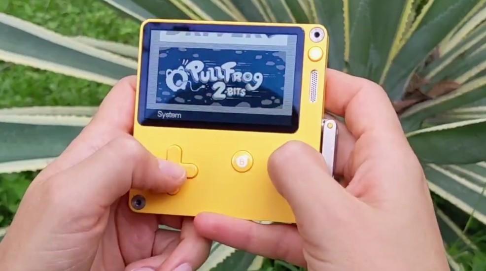 创意手摇把掌机Playdate实机游戏演示 7月正式发售