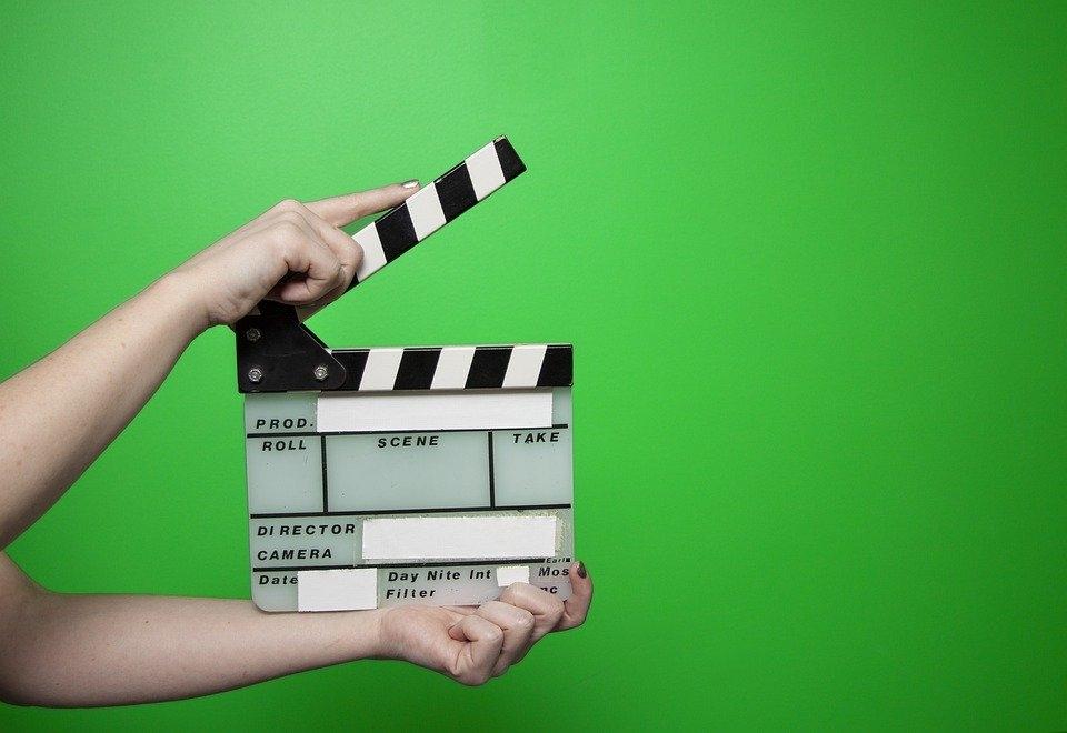 博纳董事长炮轰电影票价 7000万票房800万是服务费