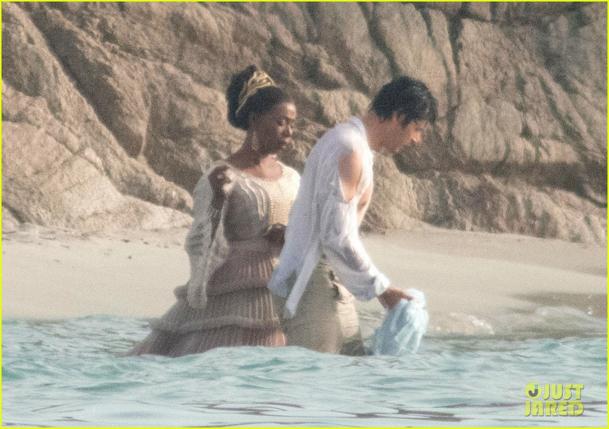 《小美人鱼》新片场照王子湿身 剧组出现新冠疫情爆发