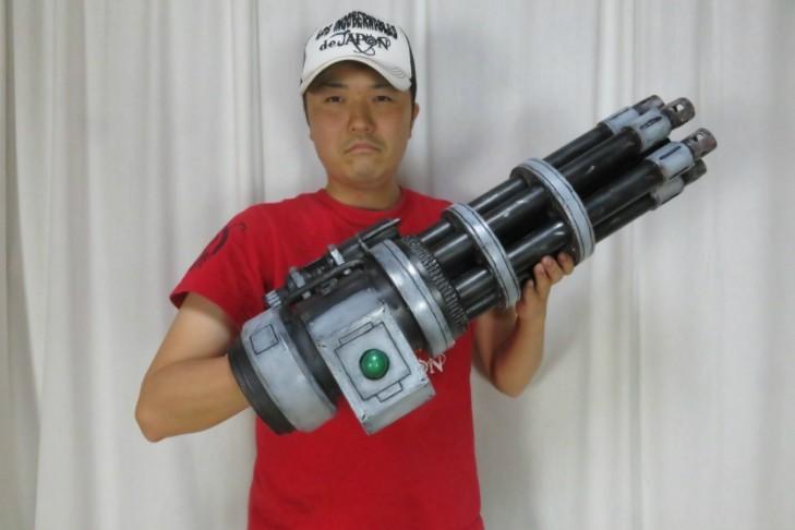高玩打造《最终幻想7》巴雷特机关臂 惟妙惟肖霸气十足