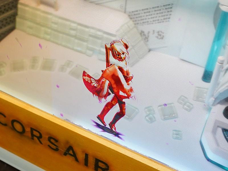 高玩展示最新创意MODPC作品 初音未来机箱内活力热舞