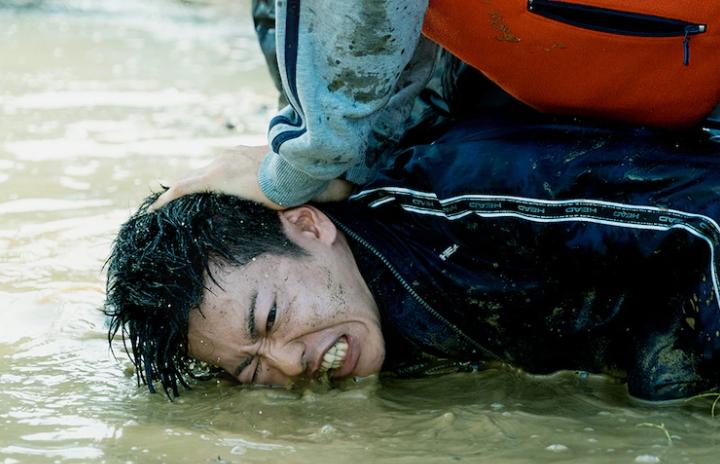 阿部宽主演《那些得不到保护的人》正式预告 10.1日上映