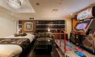 日本情趣酒店玩出新花样 睡觉啪啪还能玩跳舞机攀岩