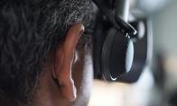 Valve的VR耳机源自贴在滑板头盔旁的两个喇叭