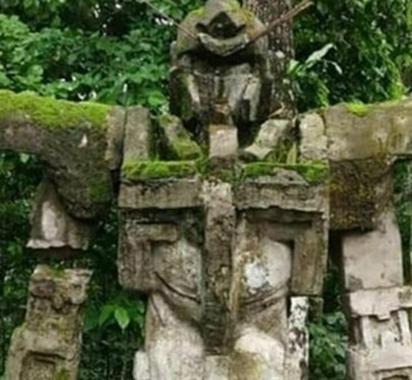印尼百年神似高达石像是误传!证实乃近期人工造物