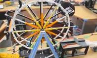 日本最大乐高连环机关装置公开 看小球的艰辛旅程