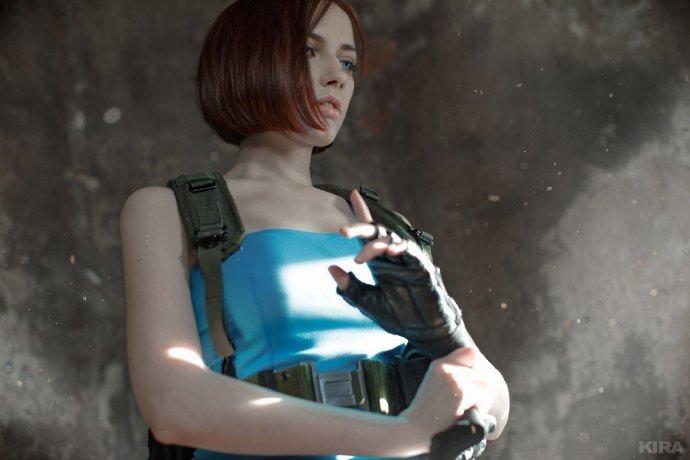 俄美女COS《生化危机3》吉尔 胸太大衣服包不住了  cosplay写真