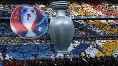 实况足球2016法国欧洲杯决赛:葡萄牙VS法国,C罗伤退