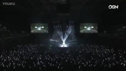 韩国《英雄联盟》决赛Faker帅气入场